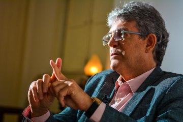 487f224268da556967e03ce441590a0b 1 - Homem encapuzado arromba escritório de Ricardo Coutinho e rouba computador; ex-governador presta queixa