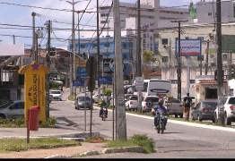 Acidentes de trânsito envolvendo postes interrompem fornecimento de energia e prejudicam população