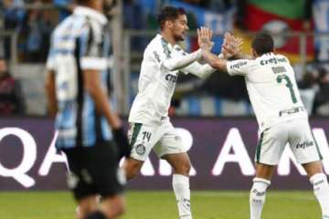 AAG6jNz - Palmeiras vence o Grêmio e leva vantagem na Libertadores