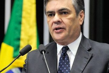 Cássio diz que crise no PSB paraibano será resolvida 'na polícia'
