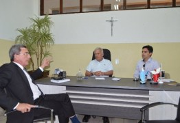 Zé Aldemir destaca parceria e confirma permanência da Receita Federal em Cajazeiras