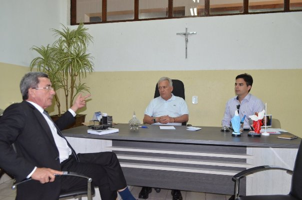 Cajazeiras Receita - Zé Aldemir destaca parceria e confirma permanência da Receita Federal em Cajazeiras