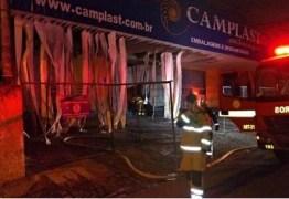 INCÊNDIO: Loja de materiais descartáveis pega fogo mais uma vez no Centro de João Pessoa