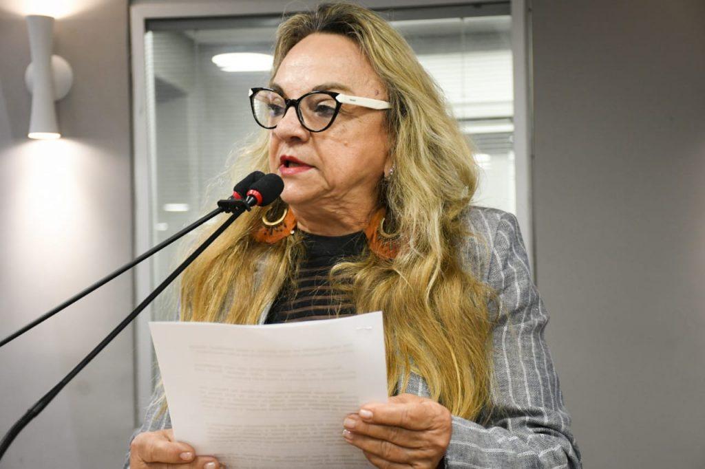 DEPUTADAPAULA 1024x682 - 'Prefeitos terão que ficar de joelho', diz Dra. Paula sobre Reforma Tributária e violência no estado