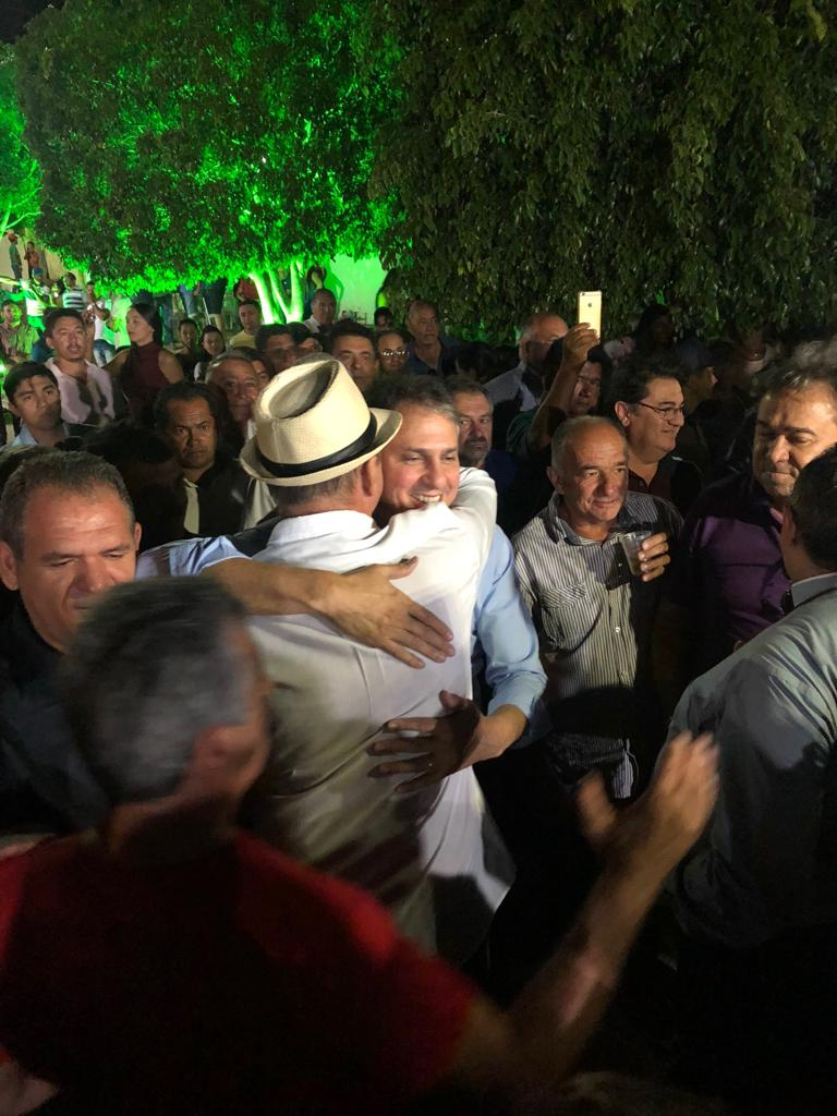 Deputado Jeová Campos cumprimenta governador Camilo Santana 13 - Jeová reivindica que PB dê sua contrapartida para concluir obra de interligação de Mauriti (CE) a Bonito de Santa Fé (PB)