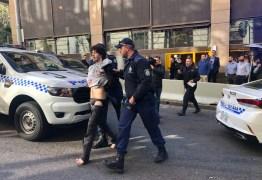 Extremista ataca pessoas com faca na Austrália aos gritos de Alá é grande: VEJA VÍDEO