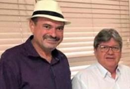 Governador João Azevedo confirma a Jeová Campos pavimentação asfáltica da estrada de Boqueirão