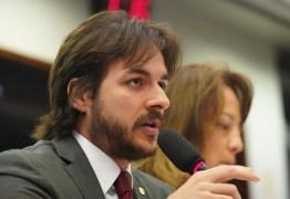 QUEIMADAS NA AMAZÔNIA: Pedro Cunha Lima pede a Bolsonaro atitudes 'dignas da cadeira presidencial'