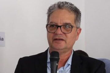 """Roberto Magliano 1 - """"MAUS CIDADÃOS"""": Presidente do CRM-PB detona prefeitos médicos que furaram fila da vacina"""