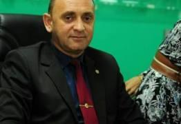 Prefeito Berg Lima conquista mais uma adesão de vereador e aumenta sua bancada de situação na Câmara de Bayuex