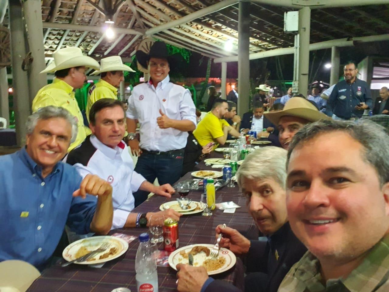 WhatsApp Image 2019 08 17 at 22.13.23 1 - Ao lado de Bolsonaro, Efraim Filho participa da festa do Peão de Barretos e assume Frente Nacional da Vaquejada