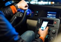 STTRANS de Patos intensificou orientação aos condutores sobre o uso do celular ao volante