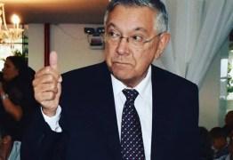 Zenóbio Toscano pede prorrogação de licença médica para continuar tratamento de saúde