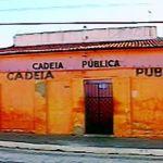 cadeia publica - FUGA DA CADEIA: Detentos fazem buraco em parede e fogem de cela na cidade de Sumé