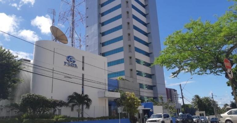 img - DA GLÓRIA A DESTRUIÇÃO: Empresas de comunicação de Collor vão a leilão para pagar funcionários