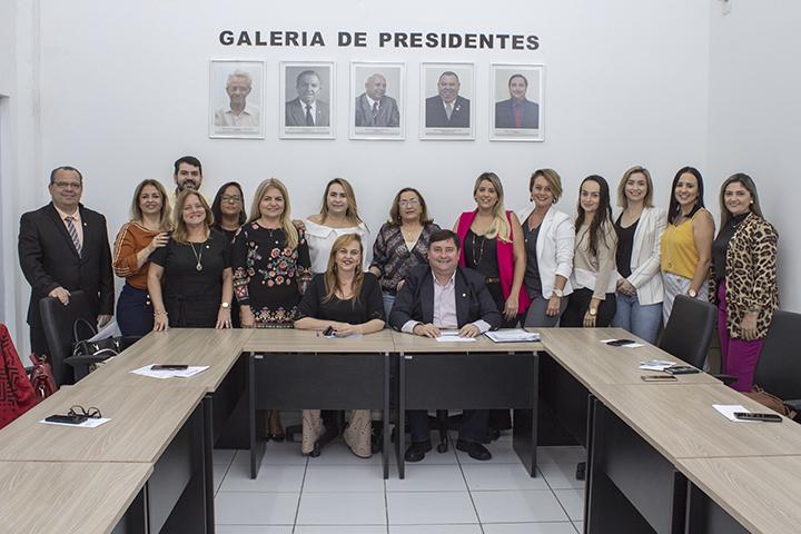 reuniao comissao mulheres creci pb ok - Integrantes da Comissão da Mulher de JP recebem portarias do Creci-PB