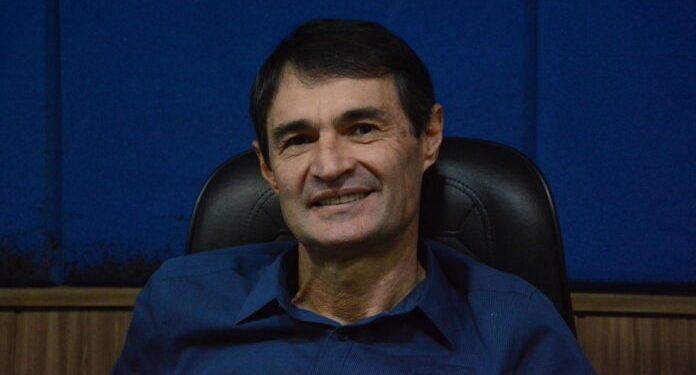 romero98 696x375 - Em tom diplomático, Romero Rodrigues evita entrar em rota de colisão com Julian Lemos e diz que parlamentar foi induzido ao erro