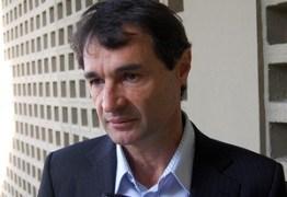 Uma semana após ter secretários presos na Operação da PF, Romero presta Boletim de Ocorrência para denunciar clonagem de celular