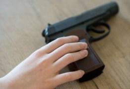 Em Catolé do Rocha, criança dispara arma acidentalmente e atinge irmão na cabeça