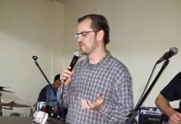 Pastor comete suicídio após postagem sobre esgotamento