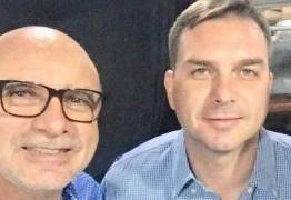 Ministério Público do RJ pede foro especial para Flávio Bolsonaro no caso Queiroz