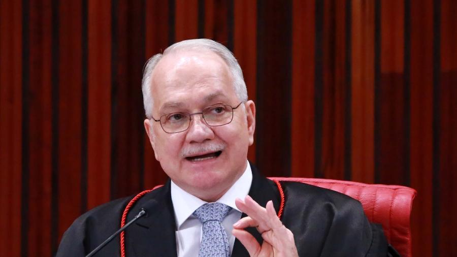 31ago2018 o ministro edson fachin durante sessao extraordinaria no tribunal tribunal superior eleitoral tse em brasilia df nesta sexta feira 31 1535762173416 v2 900x506 - Fachin pede urgência a PGR sobre perecer de pedido de anulação de condenações de Lula