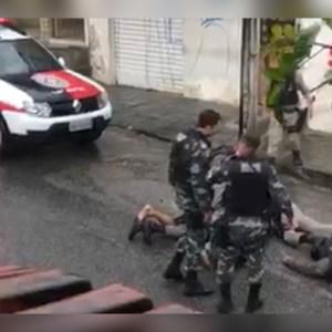 43746506 7C17 418A 988A 8F2BCAA63135 1 300x300 - Vídeo mostra desespero de policial que atirou acidentalmente e matou colega na Paraíba; assista
