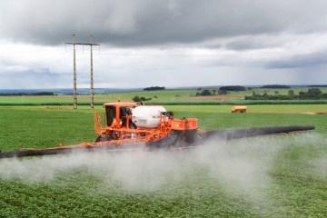 Ricardo Coutinho critica liberação de novos agrotóxicos pelo Governo Federal