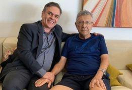 Licenciado da prefeitura, Zenóbio Toscano recebe visita de Cássio em JP: 'ELE ESTÁ ÓTIMO'