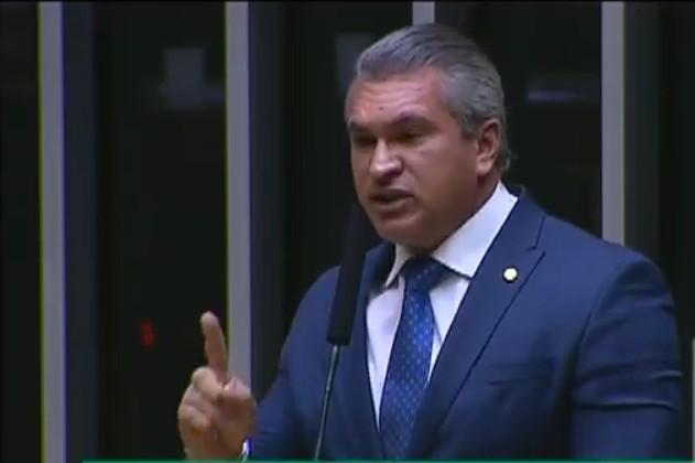 Capturar 10 - 'Insulta a sociedade brasileira': Julian Lemos diz que PSL vai votar contra o aumento do fundo eleioral - VEJA VÍDEO
