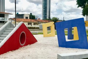 Praça 1200x480 - Luciano Cartaxo entrega praça de número 52 no Brisamar nesta segunda