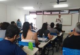 ABSURDO: alunos e professores são submetidos a mormaço em salas de aula na UFPB