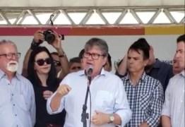 João Azevedo manda recado: 'Não caí de paraquedas no governo, a população me deu essa vitória' – VEJA VÍDEO