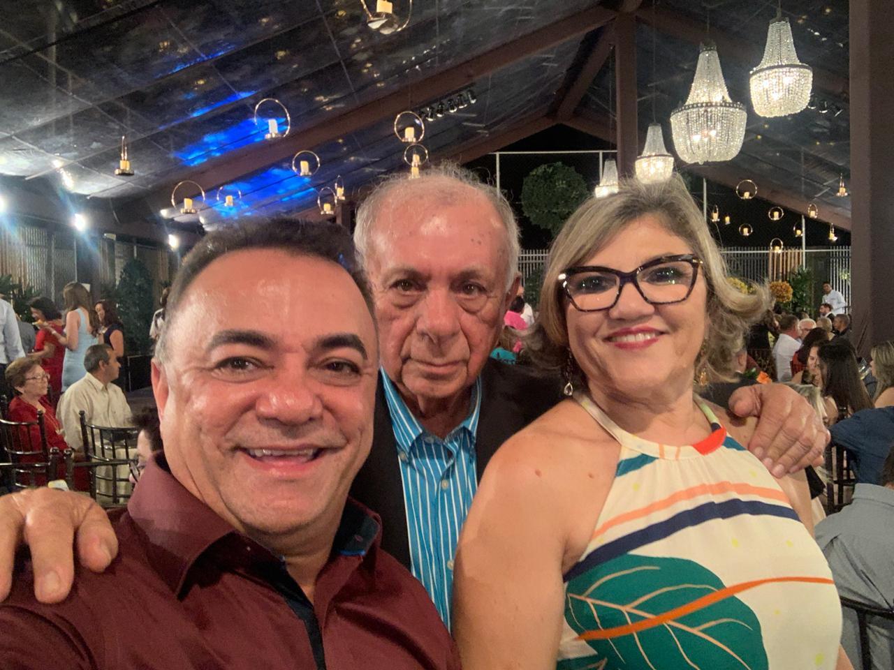 WhatsApp Image 2019 09 22 at 10.04.41 1 - Políticos e empresários comemoram os 90 anos de Zé Cavalcanti, em Cajazeiras - VEJA FOTOS E VÍDEOS