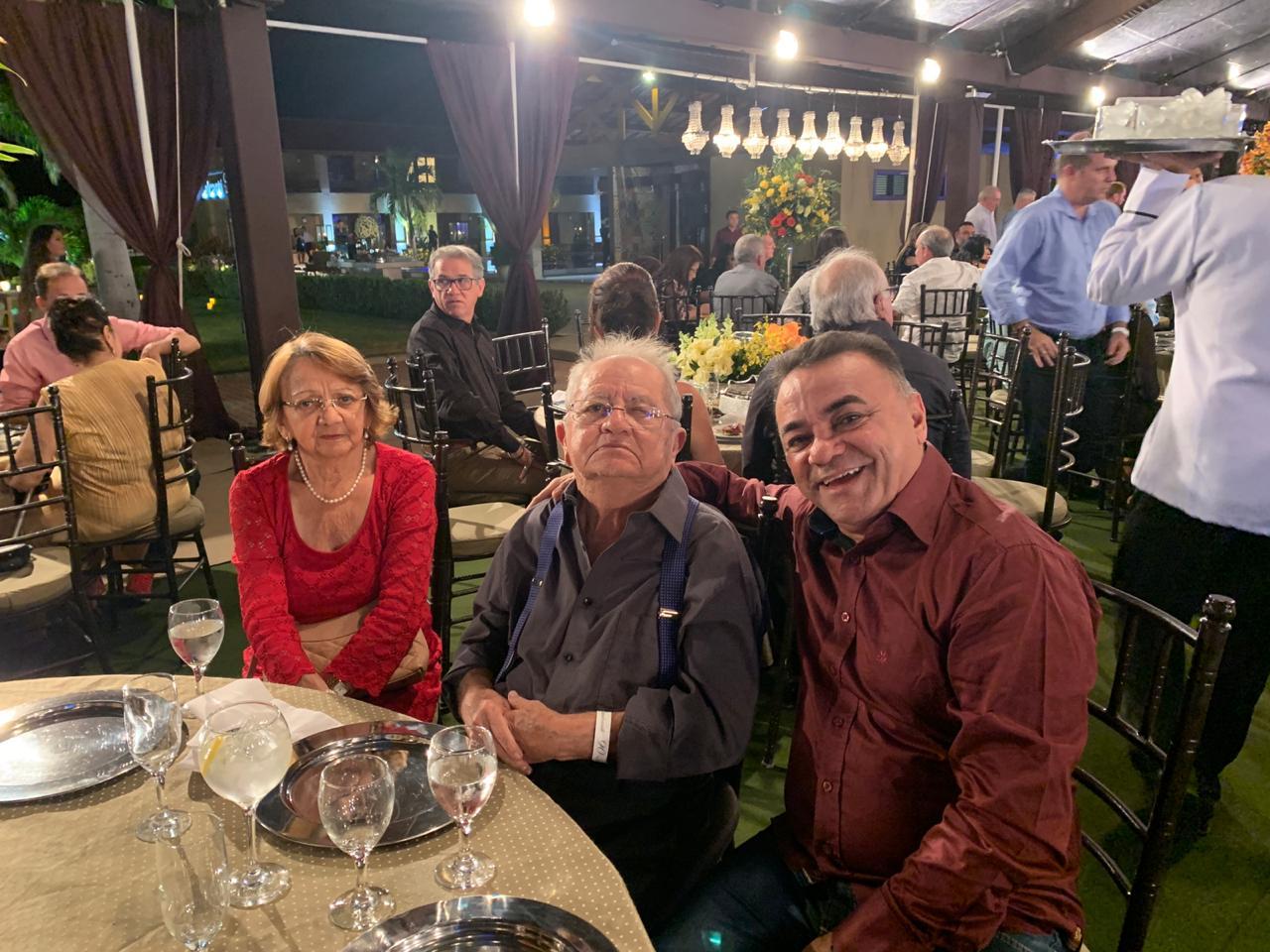 WhatsApp Image 2019 09 22 at 10.04.44 - Políticos e empresários comemoram os 90 anos de Zé Cavalcanti, em Cajazeiras - VEJA FOTOS E VÍDEOS