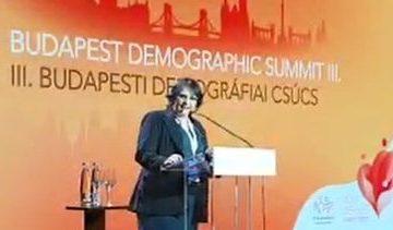 """Com Damares, """"Cúpula da Demografia"""" ataca ONU, feminismo e homossexuais"""