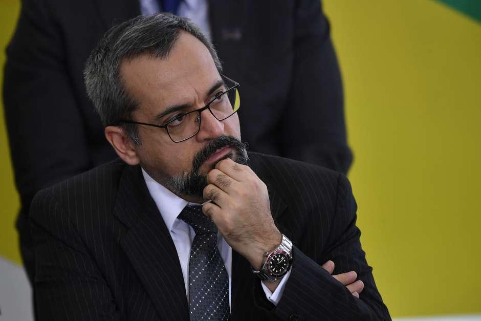 abraham mateus bonomi agif ae - Colunista diz que ministro da Educação chamou membros do STF de 'onze filhos da puta'