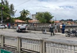 Acidente grave: motociclista e garupa são arremessados de viaduto após colisão com carro, em João Pessoa – VEJA VÍDEO