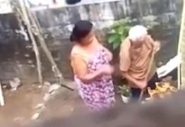Mulher é presa por agredir a própria mãe, de 76 anos – VEJA VÍDEO