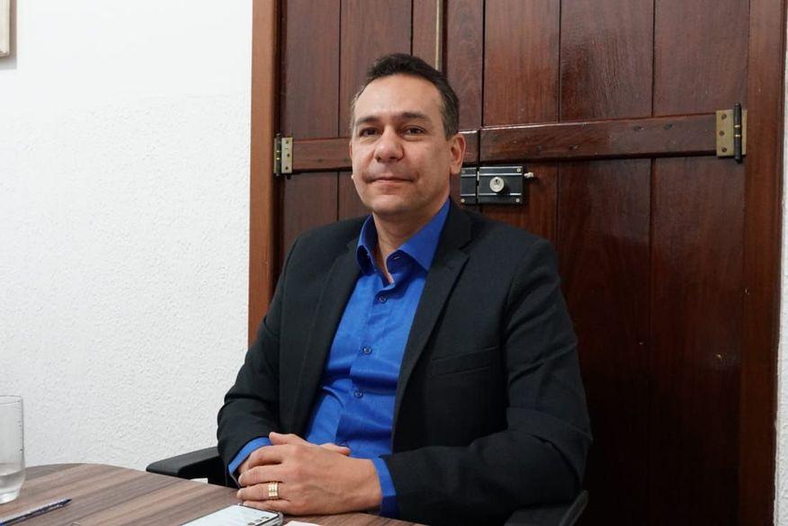 emerson panta foto walla santos - Prefeitura de Santa Rita convoca concursados da educação e anuncia seleção para médicos, enfermeiro e procurador