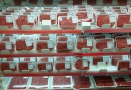 CARNE MOÍDA NA HORA: Procon fiscaliza supermercados que descumprirem lei municipal