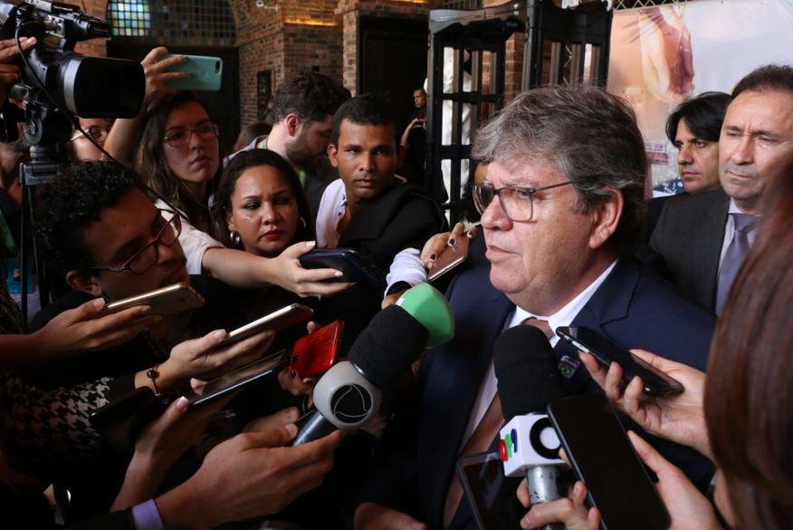 joao azevedo 1 - 'Essa disputa é muito pequena', diz João Azevêdo após RC reivindicar obras na PB - OUÇA