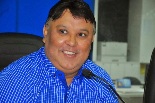 leonardo barbalho pre de pitimbu 230114nalvafigueiredo 6 1 620x412 - DESPESAS SEM LICITAÇÃO: TCE reprova contas e imputa débito de R$ 2,2 milhões a prefeito de Pitimbú