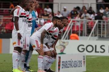 naom 5bf5e6a929ef1 - São Paulo busca vitória contra o CSA para não voltar à estaca zero