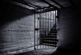 Homem é preso suspeito de manter companheira em cárcere privado, em Patos, PB