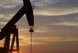 Petrobras vai 'controlar' o preço da gasolina até valor do petróleo se acomodar no mercado externo