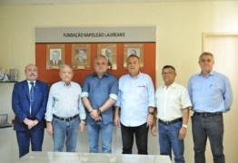 Prefeito Renato Mendes assina convênio para repasses mensais da Prefeitura de Alhandra ao hospital Napoleão Laureano