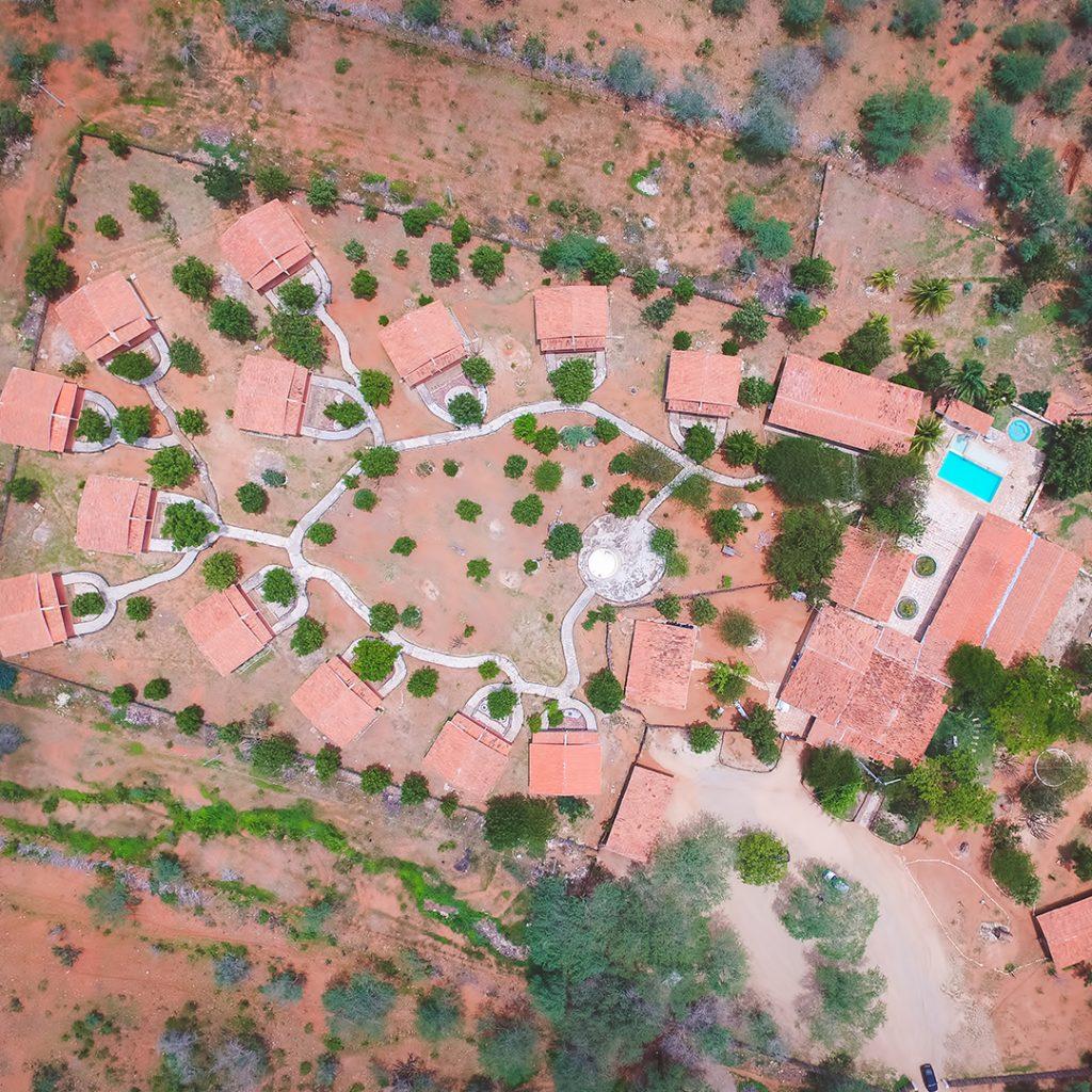 voando 1024x1024 - TURISMO RURAL: Hotel Fazenda Pai Mateus aposta em belezas naturais e atrai turistas do mundo todo para o sertão da Paraíba