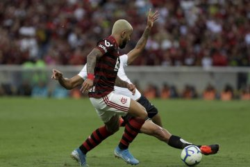 xCampeonato Brasileiro GKM4BA8BJ.1.jpg.pagespeed.ic .Z uZXVYjRG - Fla vira o turno na liderança pela primeira vez nos pontos corridos