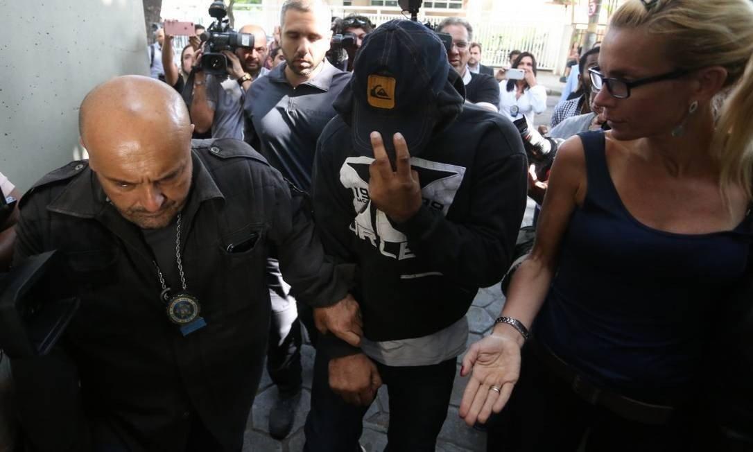 xpm ferreirinha preso.jpg.pagespeed.ic .KNP02kE9 m - CASO MARIELLE: PM envolvido no crime confirma à PF propina a delegacia do Rio